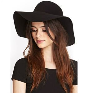 NWOT Forever 21 Black Wool Hat